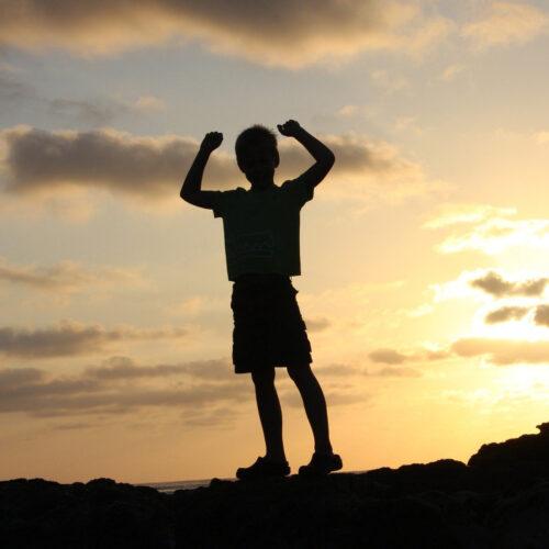 Как вырастить уверенного и смелого ребенка